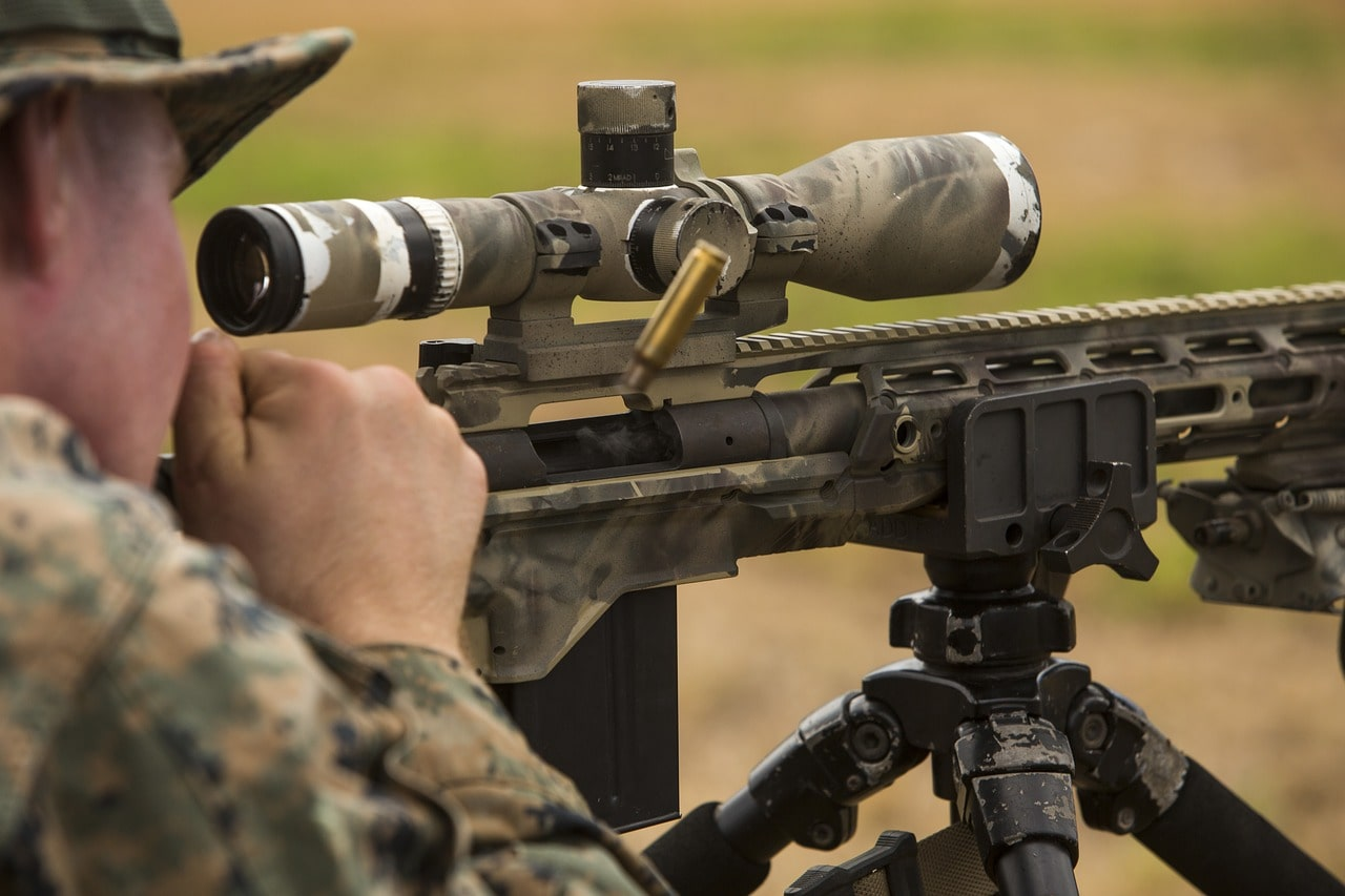 marines using a riflescope