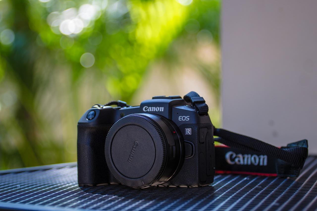 canon mirrorless camera