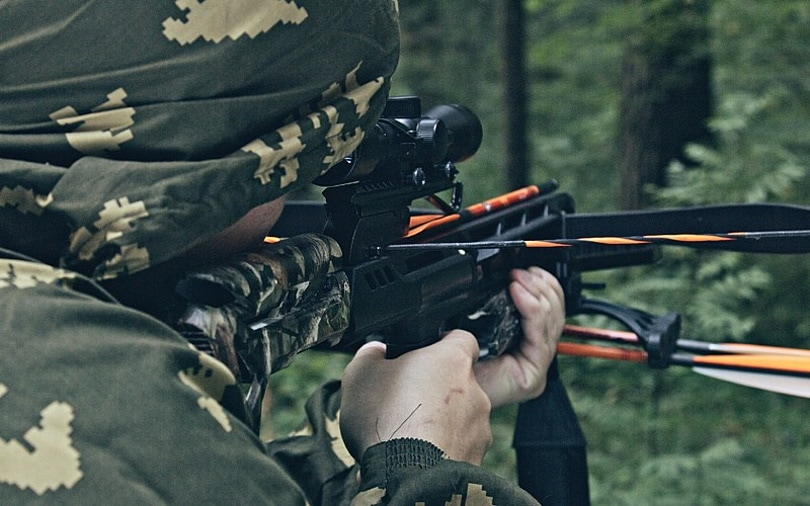 shooting crossbow_Crossbowproductions_Wikimedia