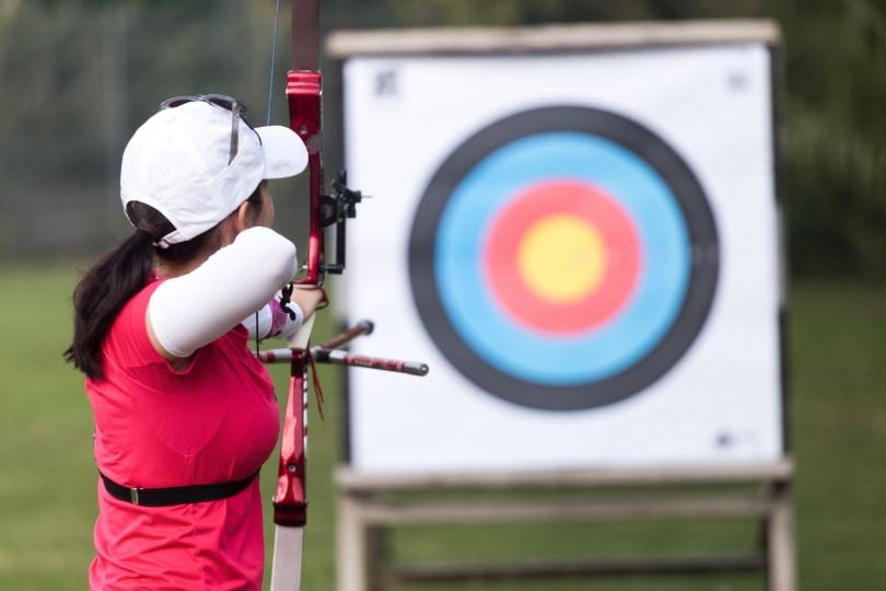 5 pin bow sight_Josep Suria_Shutterstock