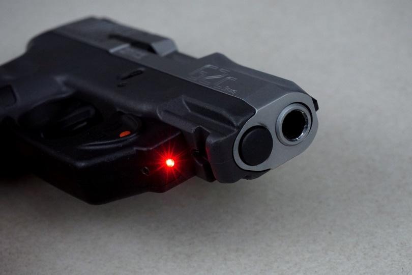 pistol sight_MikeGunner_Pixabay