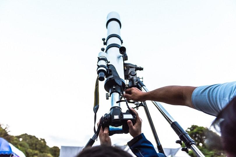 DSLR-camera-take-astronomy_May_Chanikran_shutterstock