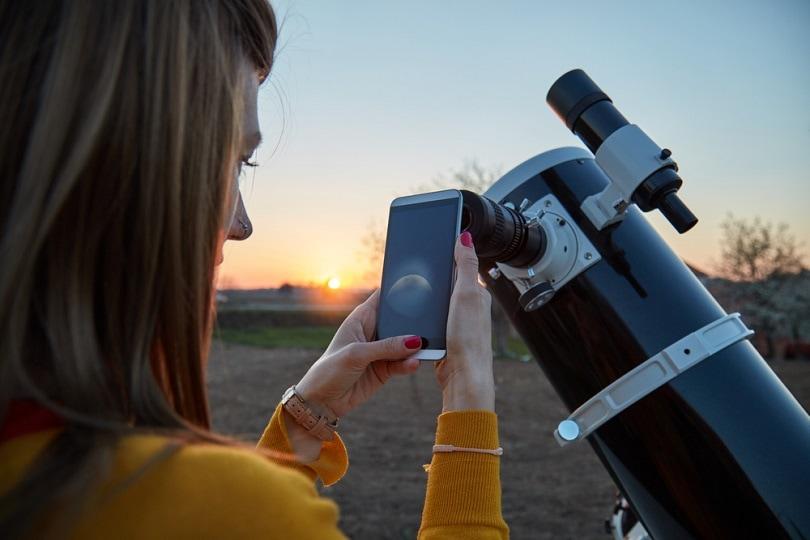 amateur-astronomical-telescope_AstroStar_shutterstock